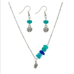 Jewelry - Silver Tone Necklace Set with Seaglass Beads